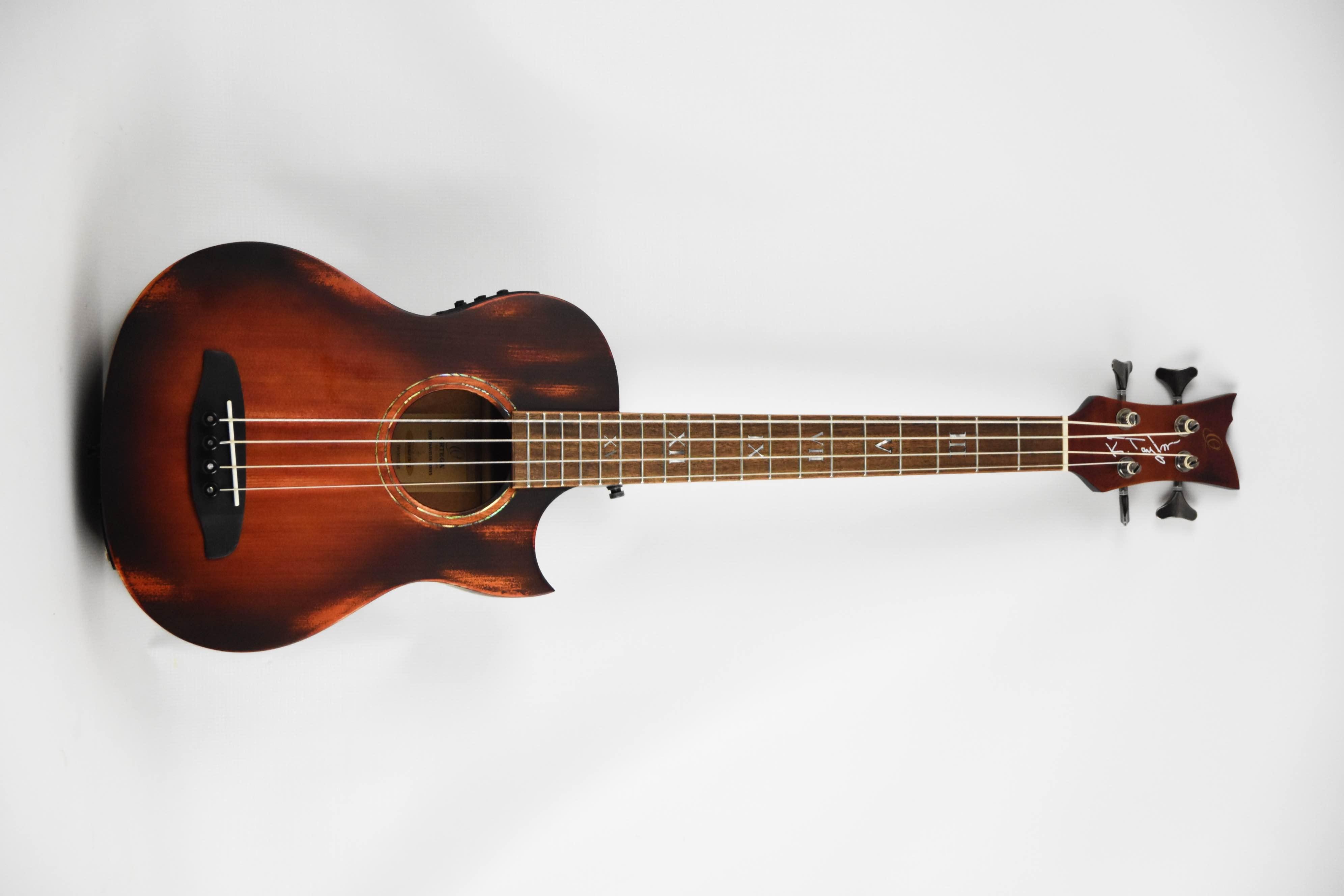 Ortega KT-Walker-V2 bass ukulele bassguitar.beatit.tv